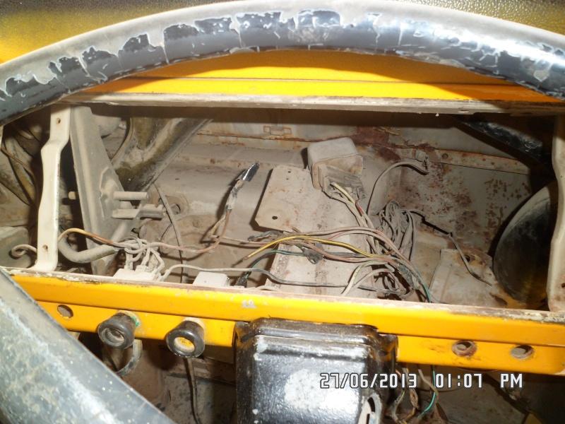 Missionare - 1969 Early/Low Light RHD T2a Bay Window Walkthrough Microbus Sam_4247