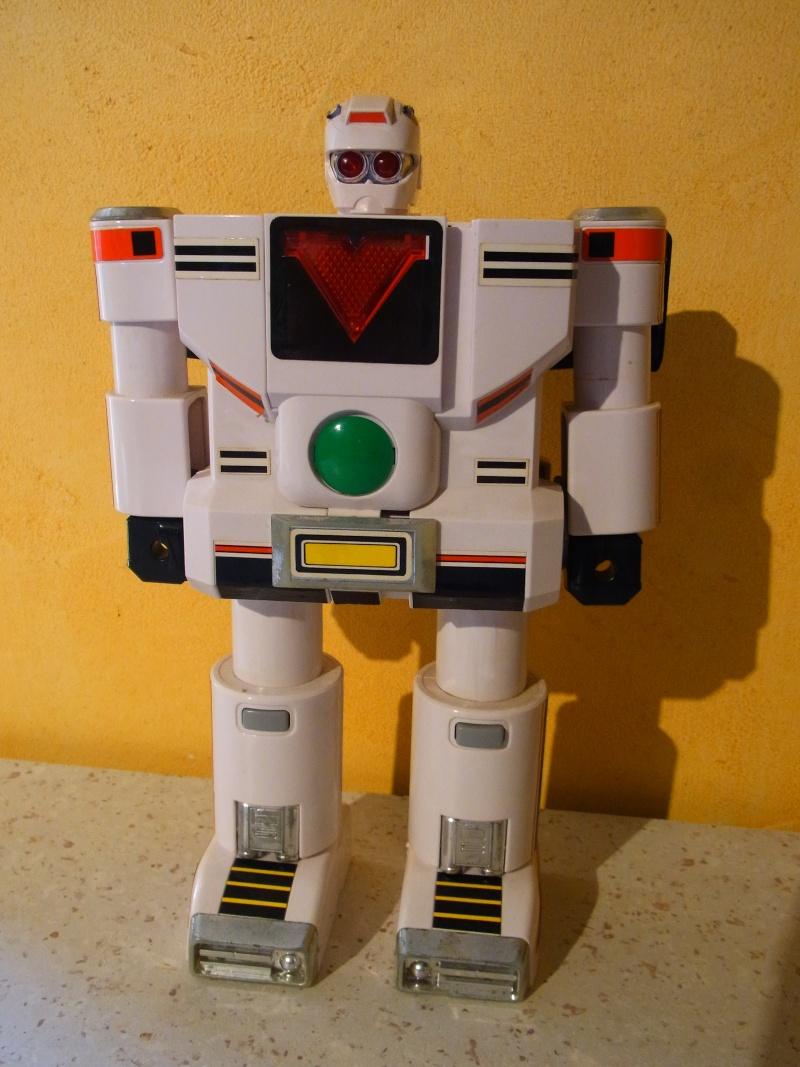 Star Wars et robots transformistes ... Rimg0110