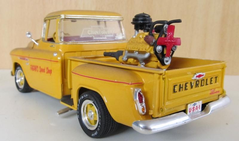 Chevrolet Pickups 1955_c17