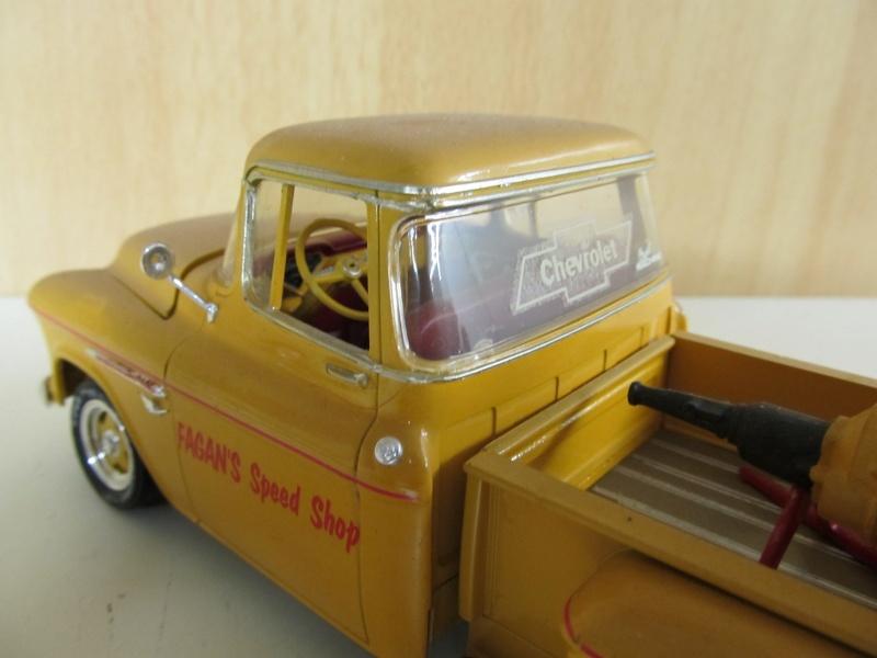 Chevrolet Pickups 1955_c18