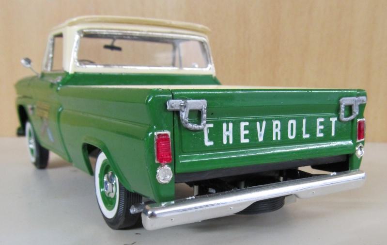 Chevrolet Pickups 1964_c12