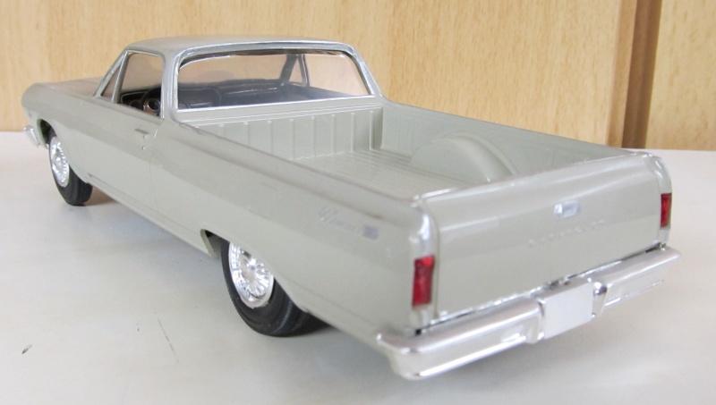 Chevrolet Pickups 1965_e13