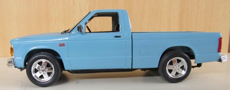 Chevrolet Pickups 1984_c11