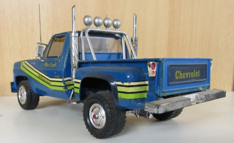 Chevrolet Pickups 1985_c13