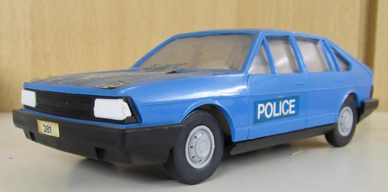 Audi 100 LS Avant in 1 zu 25 Audi_112