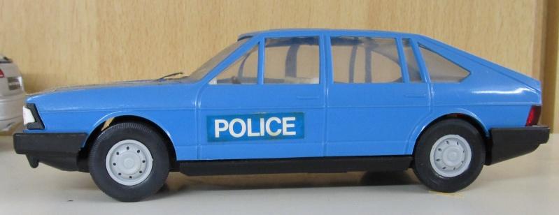 Audi 100 LS Avant in 1 zu 25 Audi_113
