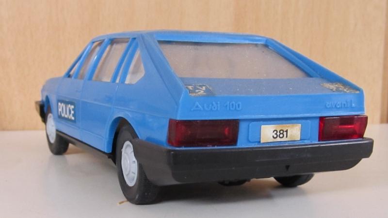 Audi 100 LS Avant in 1 zu 25 Audi_114