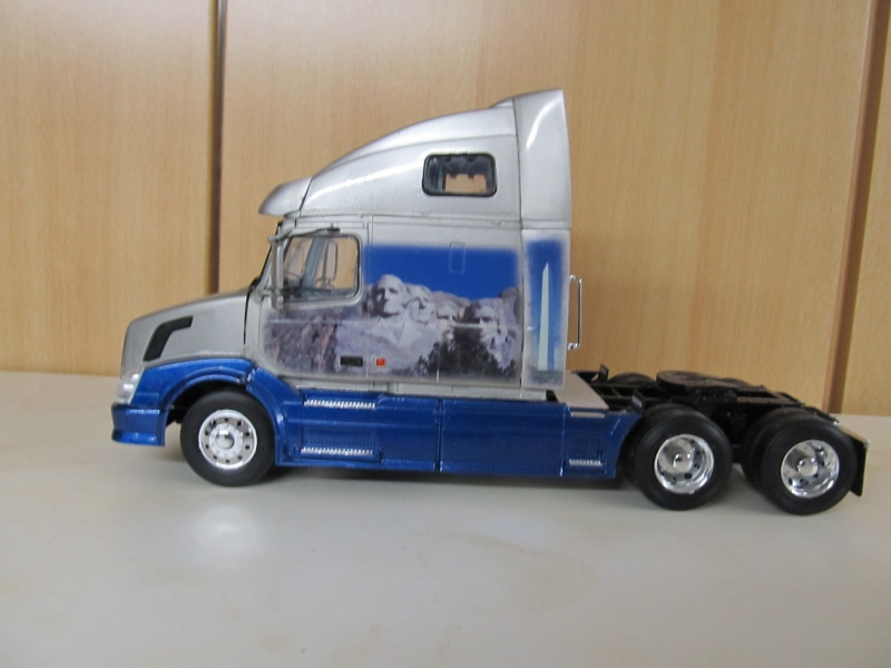 US-Trucks von AMT-Matchbox & Co Volvo_14