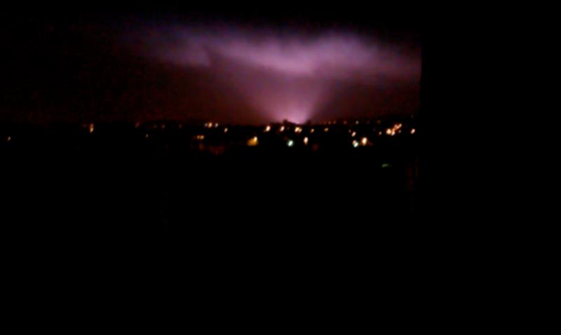 2011: le 13/12 à 04h00 - Lumière étrange dans le ciel  - Ermont - Val d'Oise (dép.95) Captur10