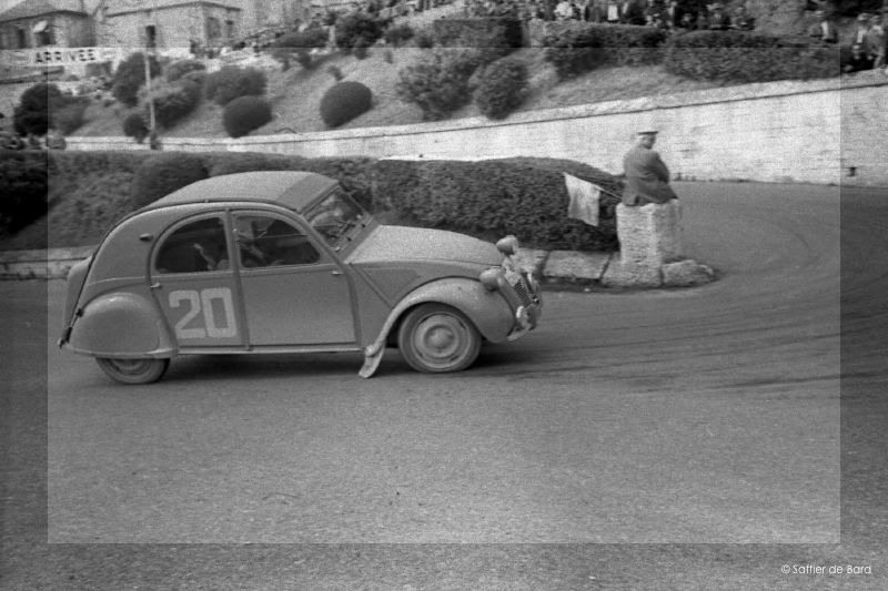 Cars, cars, and more cars - Page 2 2cv_re10