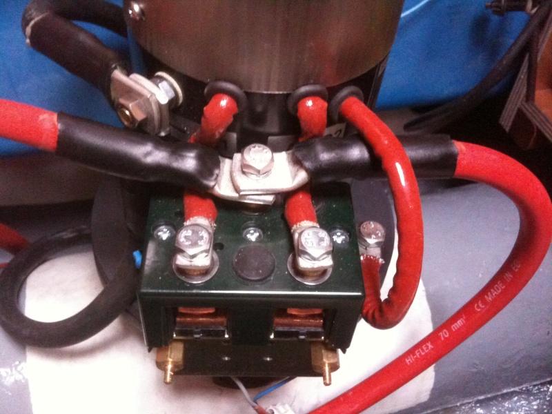 Pose et installation d'un propulseur d'étrave (Quick BTQ85DP) Img_0624