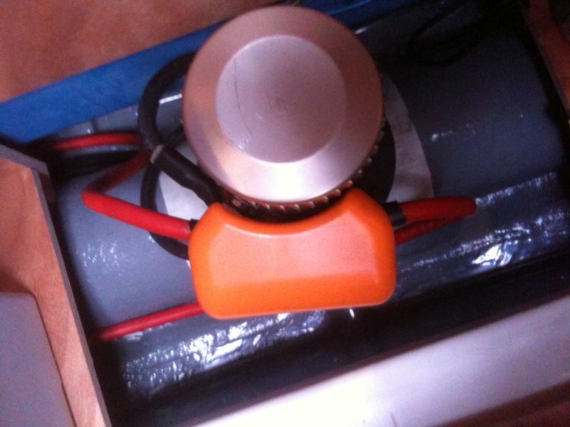 Pose et installation d'un propulseur d'étrave (Quick BTQ85DP) Img_0626