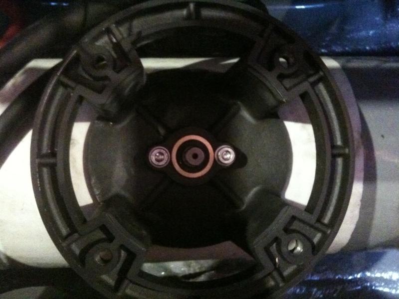 Pose et installation d'un propulseur d'étrave (Quick BTQ85DP) Img_0710
