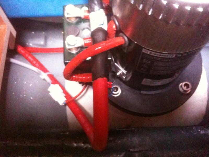 Pose et installation d'un propulseur d'étrave (Quick BTQ85DP) Img_0711
