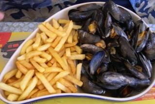 Moules marinières ... frites ! Moules10