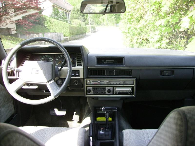 Nissan / Datsun Laurel C31 2.4 de 1983 Pict0315