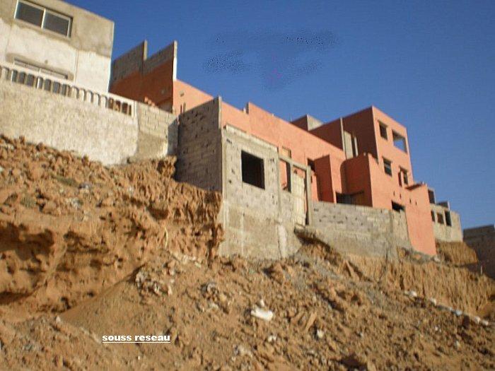 Au Maroc ..on construit encore des maisons a risque 1_tini10