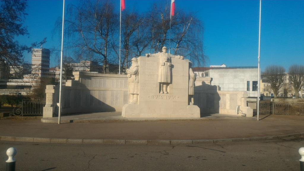 [Histoires et Histoire] Monuments aux morts originaux Français Tome 2 - Page 10 P_201912