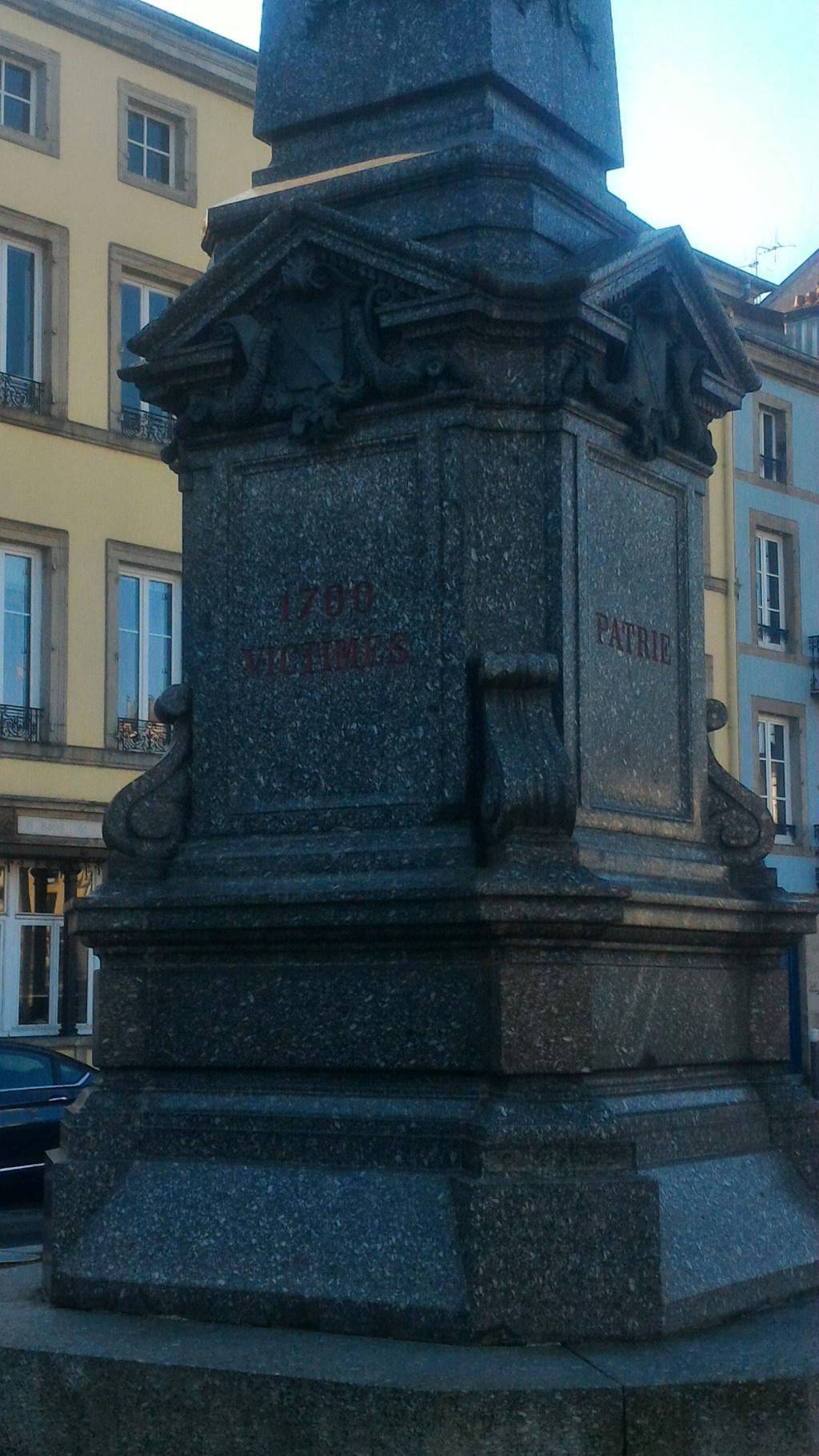 [Histoires et Histoire] Monuments aux morts originaux Français Tome 2 - Page 10 P_201913