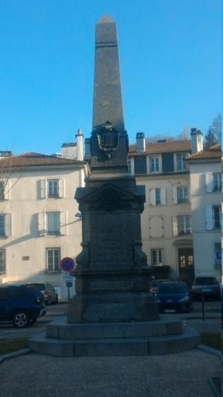 [Histoires et Histoire] Monuments aux morts originaux Français Tome 2 - Page 10 P_201914