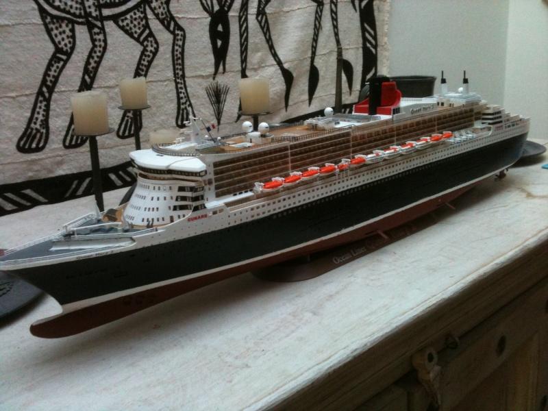 Queen Mary 2,1/400 de revell Img_7514