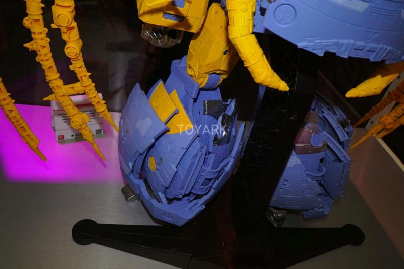 HasLab ― Transformers: War For Cybertron Unicron ― par financement participatif - Page 3 Swqpoe10