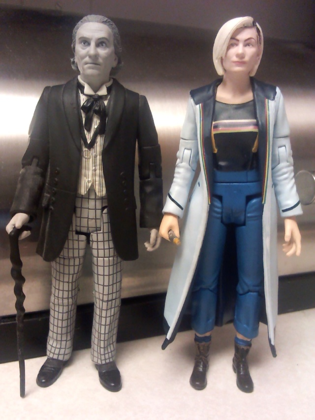 New CO 13th Doctor Figure - Page 2 19012611