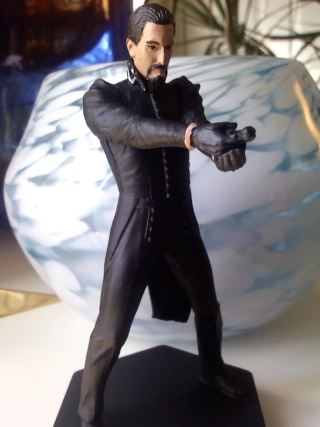 Show off your Eaglemoss figurines!!! - Page 7 Ainley10