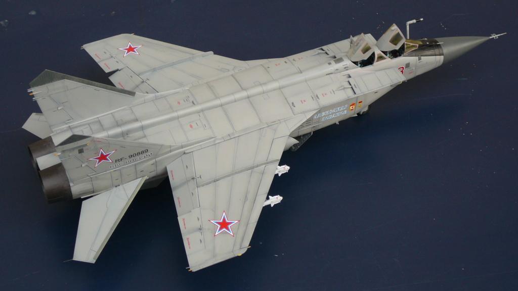 """Mikoyan-Gurevitch MiG-31 BM/BSM """"Foxhound"""" (AMK 1/48) P1190710"""