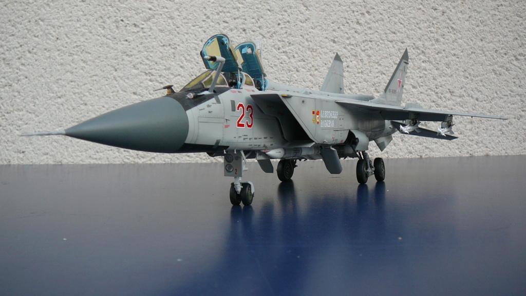 """Mikoyan-Gurevitch MiG-31 BM/BSM """"Foxhound"""" (AMK 1/48) P1190711"""