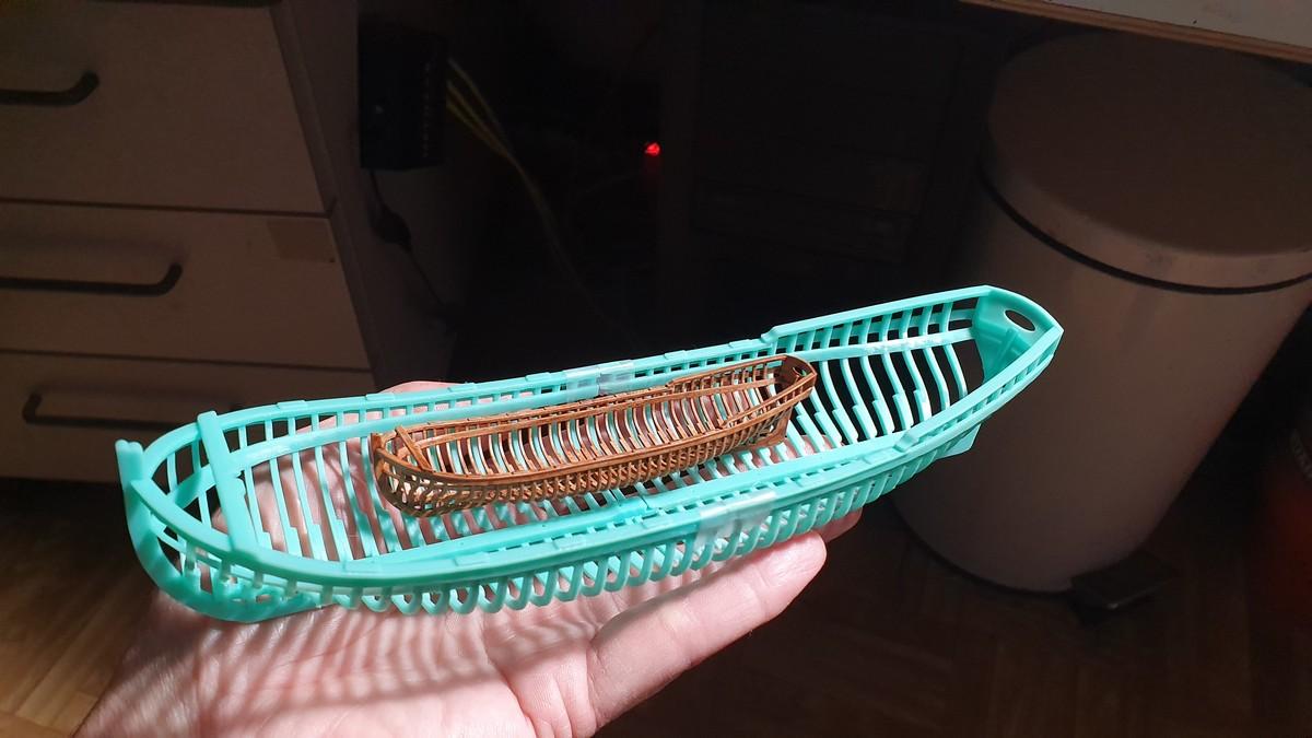 Canot d'un vaisseau du XVIII ème en 3D et en résine Canot_17