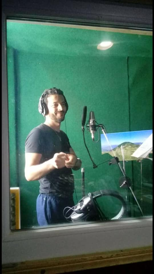 "AIT HSAYEN ""Lkhiar AKRICHE"" sort son premier album intitulé ""Tarewla"" Ayt11"