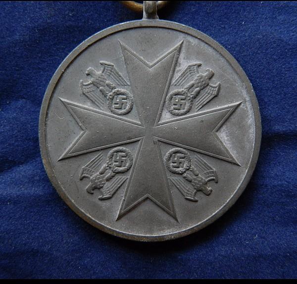 Médaille du Mérite bronze de L'Ordre de l'Aigle Allemand 39e28a11
