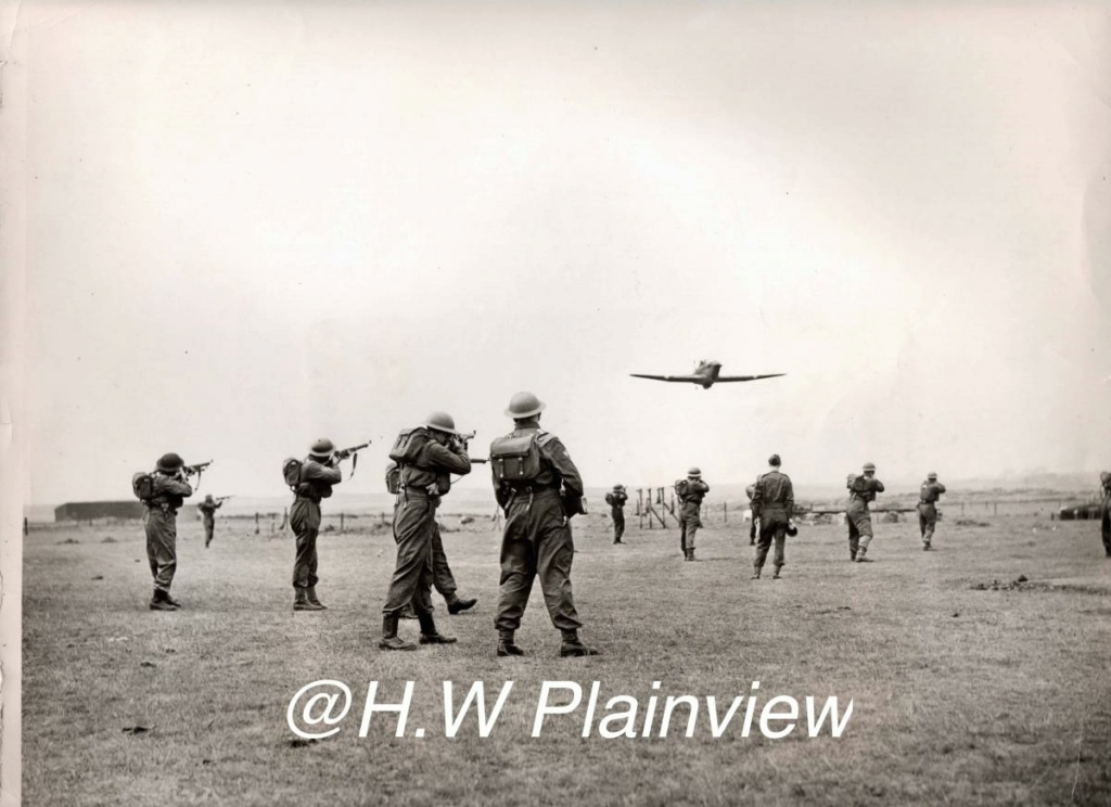 Enorme lot de Photos de Presses  US / Canada/ UK en Europe et Asie 1944/45 !!! Image_54