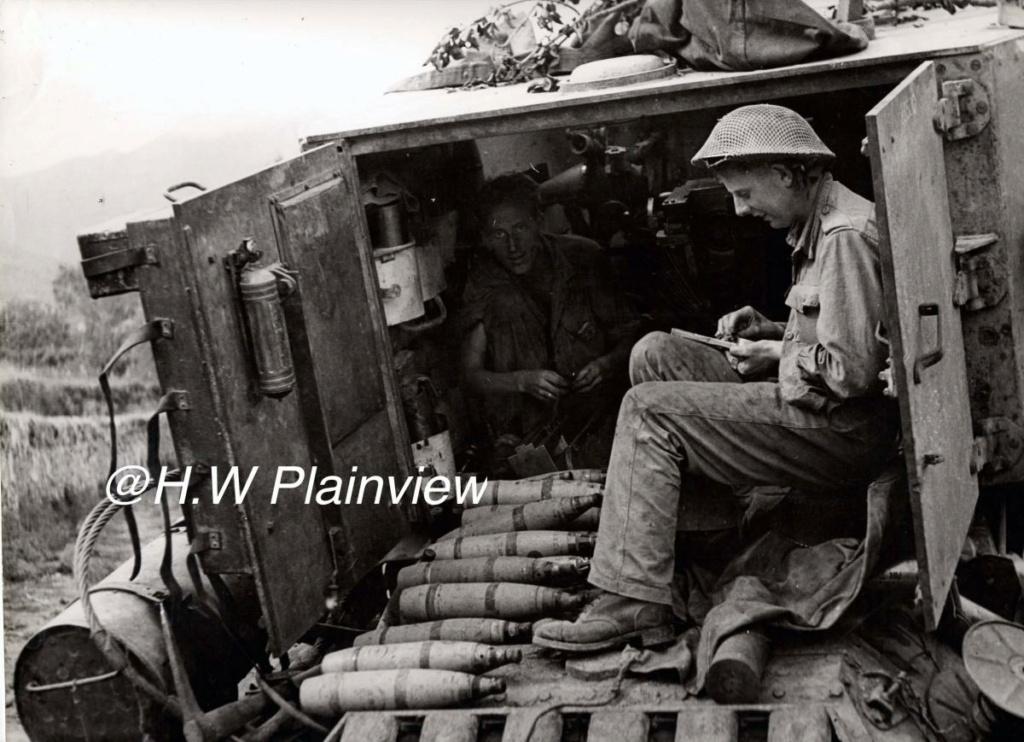 Enorme lot de Photos de Presses  US / Canada/ UK en Europe et Asie 1944/45 !!! Image_58