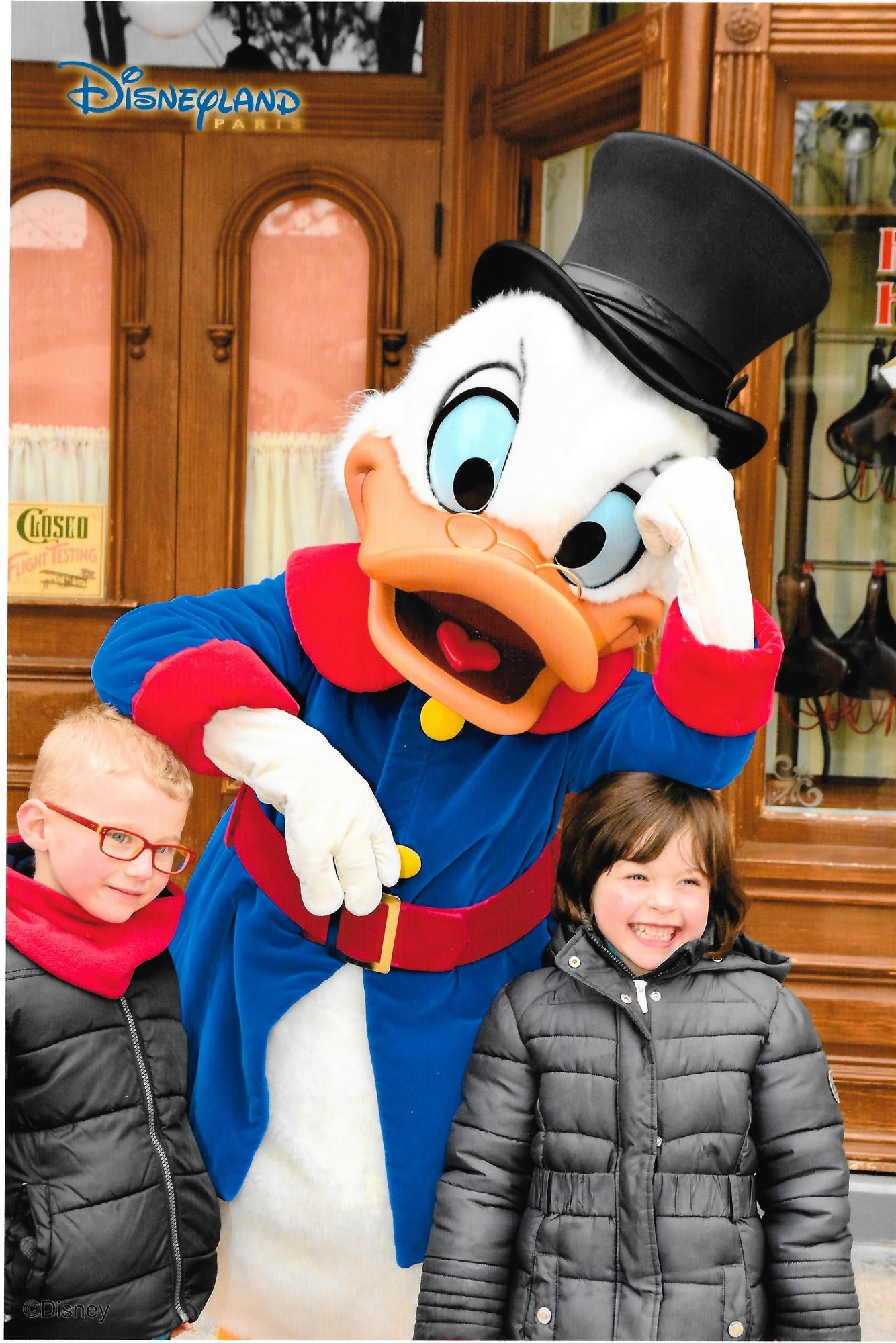 Quel(s) personnage(s) aimeriez-vous ou n'avez-vous jamais rencontré à DLP? - Page 10 Disney10