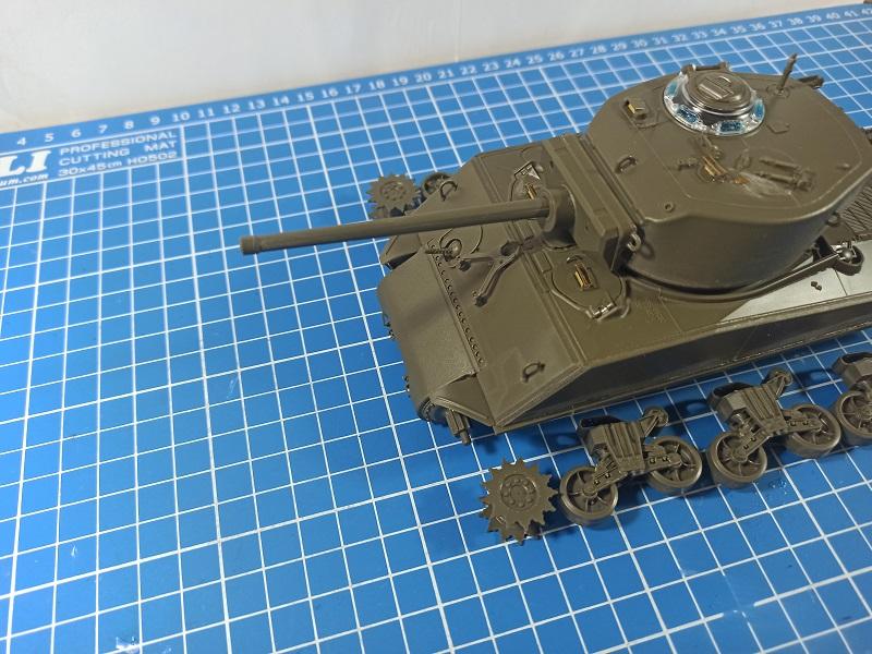 [Terminé] M4A3E2 Sherman 'Jumbo' [Tasca 35-021] - 1/35 - Page 2 0232