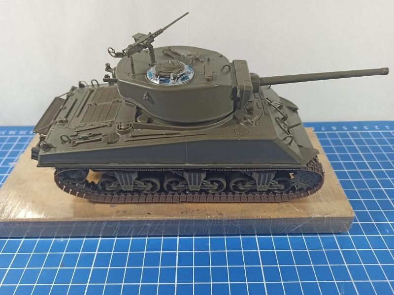 [Terminé] M4A3E2 Sherman 'Jumbo' [Tasca 35-021] - 1/35 - Page 2 0233