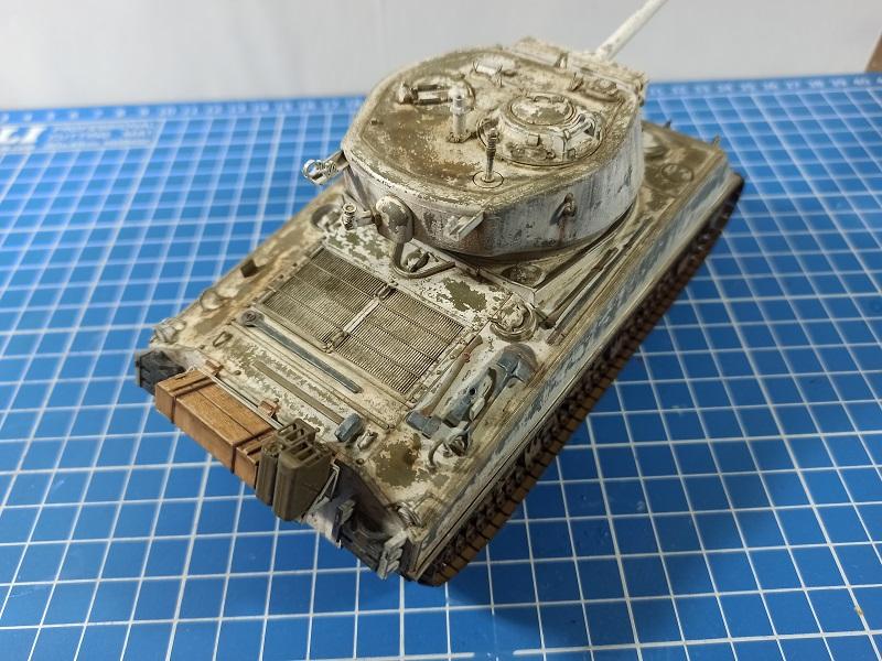 [Terminé] M4A3E2 Sherman 'Jumbo' [Tasca 35-021] - 1/35 - Page 7 0343
