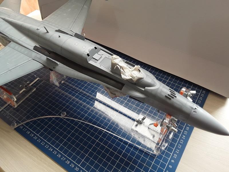 F-18 A+ 1/32 [Academy 12107] [Montage terminé] 0611