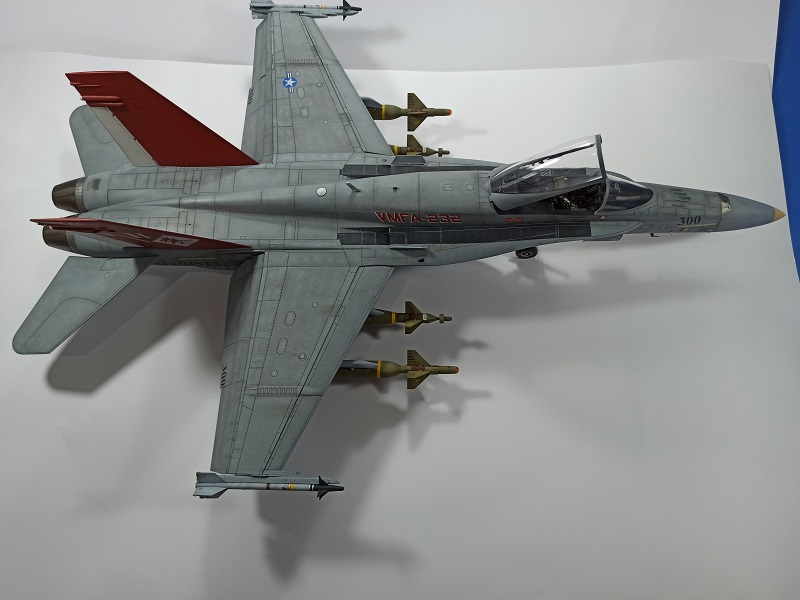 F-18 A+ 1/32 [Academy 12107] [Montage terminé] - Page 2 Img_2018