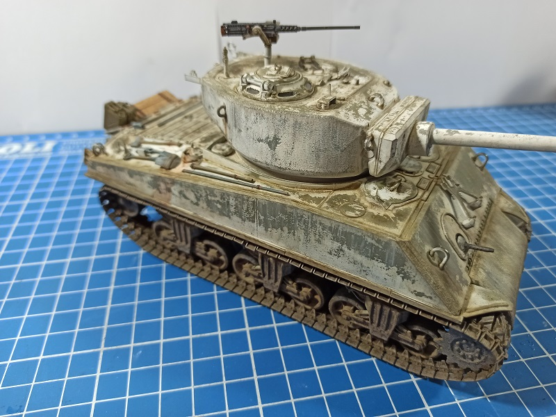 [Terminé] M4A3E2 Sherman 'Jumbo' [Tasca 35-021] - 1/35 - Page 7 Img_2080
