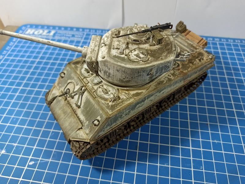 [Terminé] M4A3E2 Sherman 'Jumbo' [Tasca 35-021] - 1/35 - Page 7 Img_2081