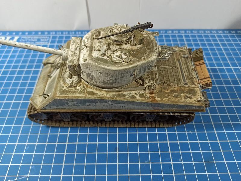[Terminé] M4A3E2 Sherman 'Jumbo' [Tasca 35-021] - 1/35 - Page 7 Img_2085