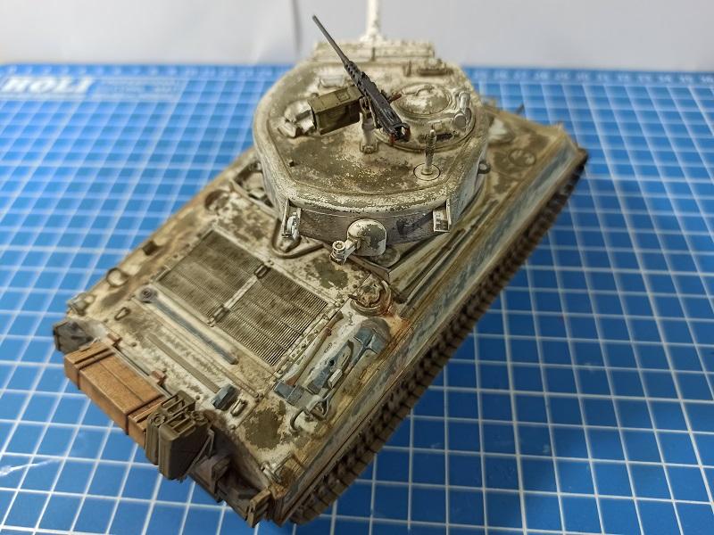 [Terminé] M4A3E2 Sherman 'Jumbo' [Tasca 35-021] - 1/35 - Page 7 Img_2086