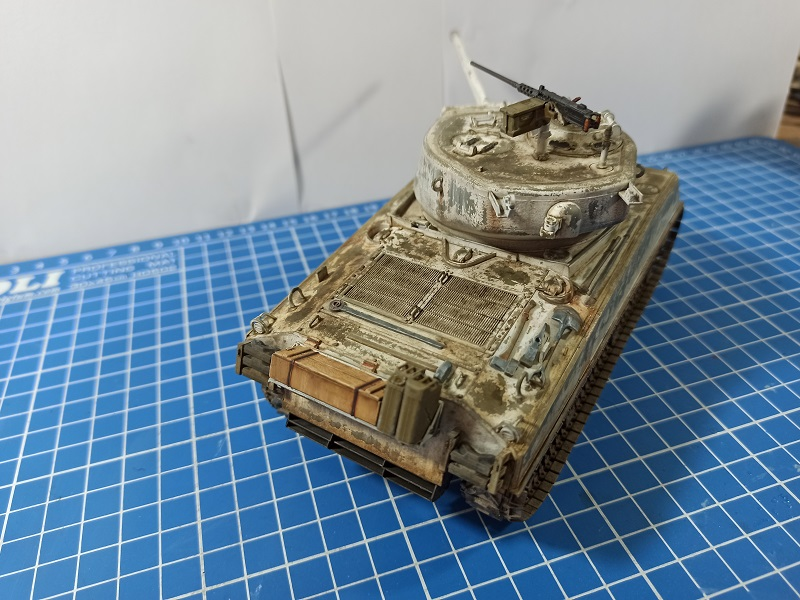 [Terminé] M4A3E2 Sherman 'Jumbo' [Tasca 35-021] - 1/35 - Page 7 Img_2087