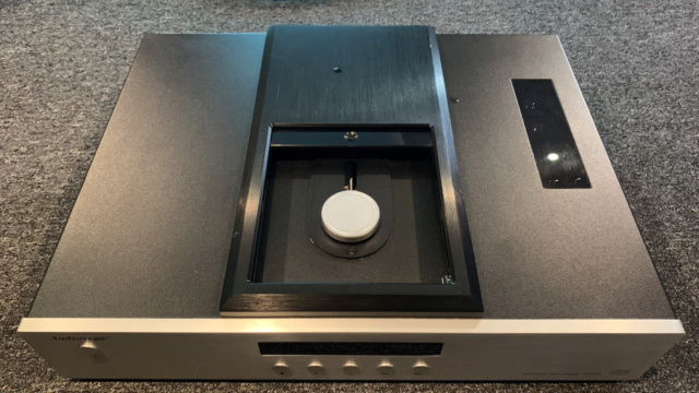 AudioVega CD66 Tube CD Player (Used) Img_1718