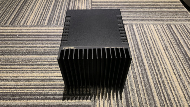 ROTEL RMB-100 Mono Amplifier 1pc Only (Used) Img_1742