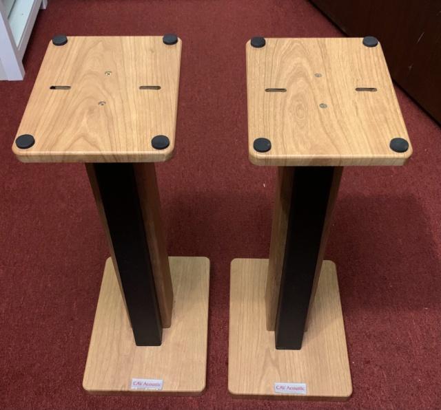 "CAV Acoustic 24"" Solid Wood Speaker Stand (Oak) (Used) Img_2138"