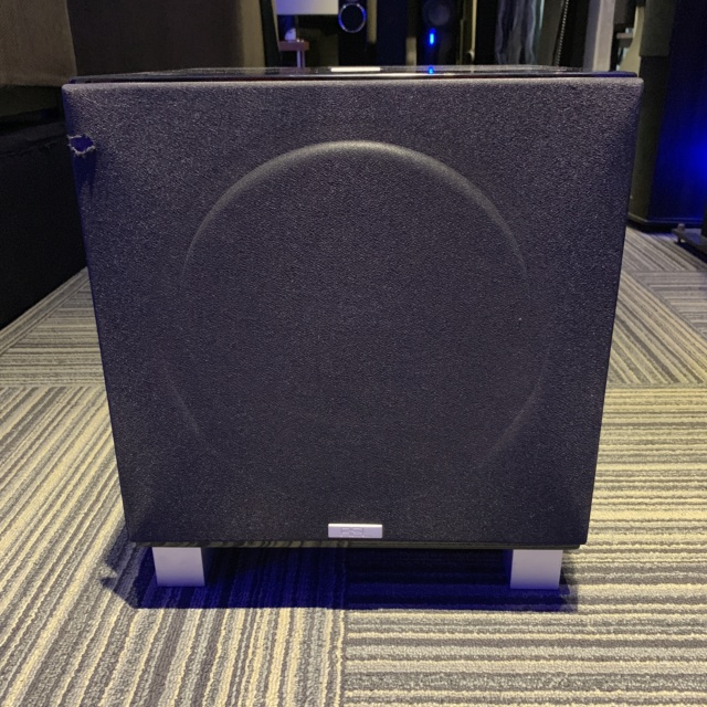 REL T9 Subwoofer (used) Img_3018